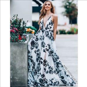 Maxi Dress 👗Tulle & Velvet
